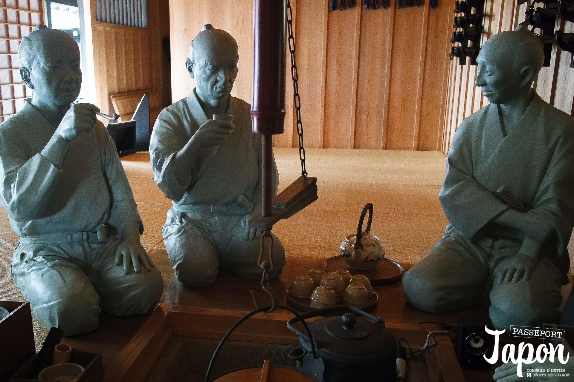 hakone-sekisho-musee-statues