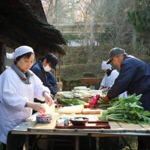 Atelier cuisine au village folklorique de Hida-no-sato, Takayama, préfecture de Gifu