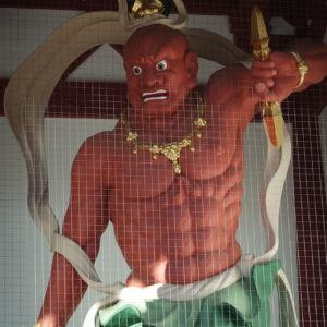Statue gardienne au temple Shi-Tennoji, préfecture d'Osaka