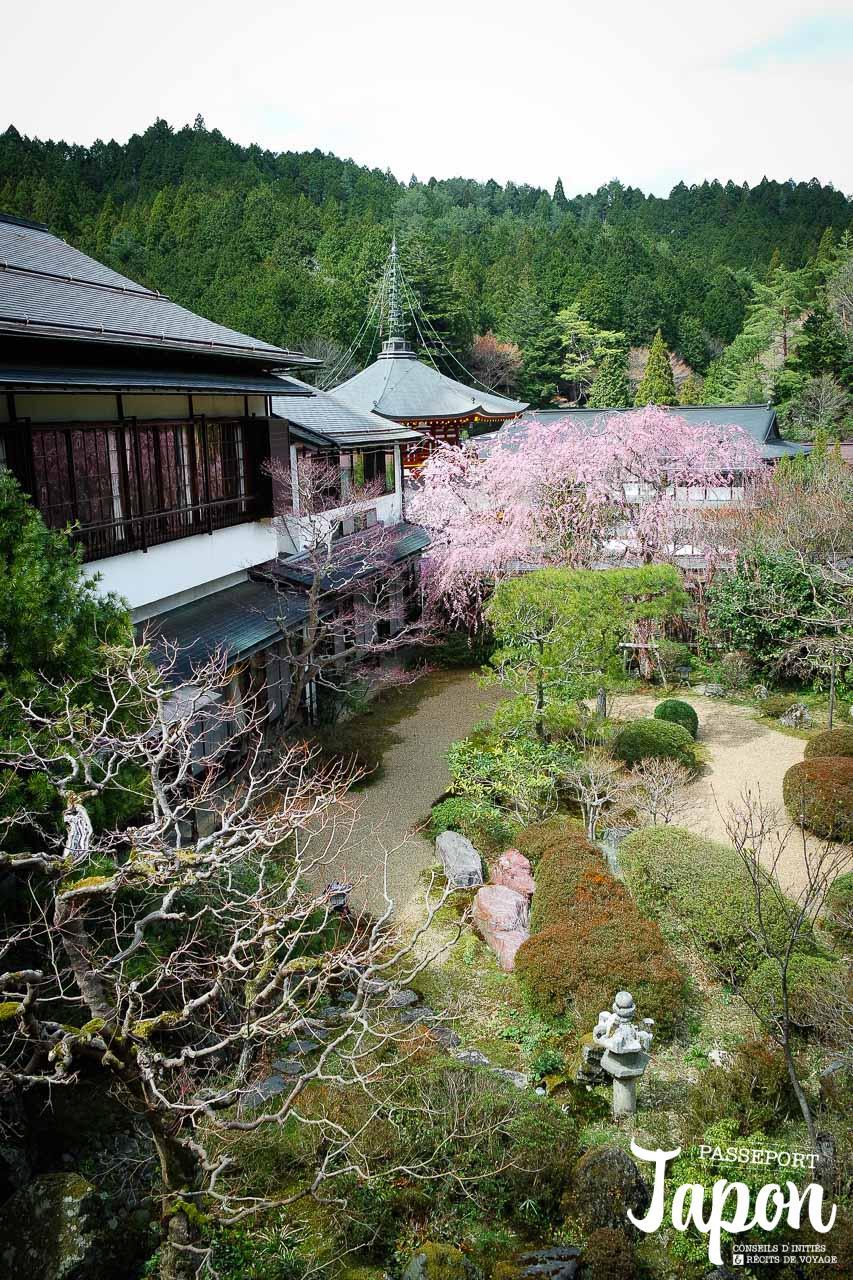 Jardin du temple Jimyoin à Koyasan, préfecture de Wakayama